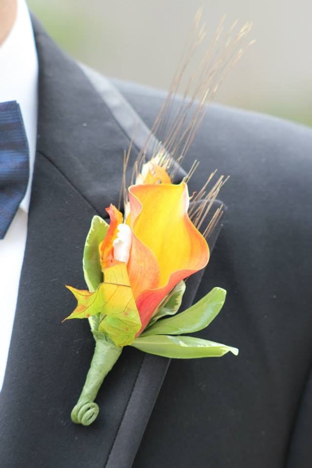 wedding-tux-flower